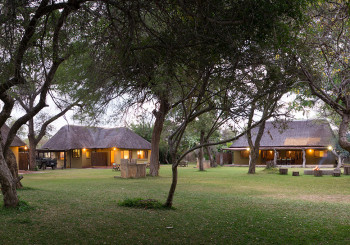 Giraffe Camp Cottages