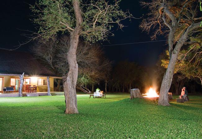 Giraffe Camp Bon Fire