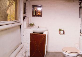 Nyati Pools Bathroom